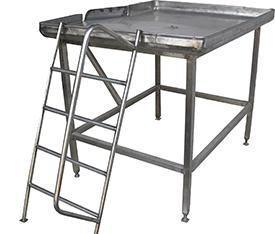 Стол нутровочный со склизом (Площадка нутровочная)